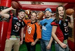 (c) 2016 - American Football, Super Bowl 2016, Super Bowl Party im Seepark Hotel.  - Bild zeigt: Gäste bei der Super Bowl Party